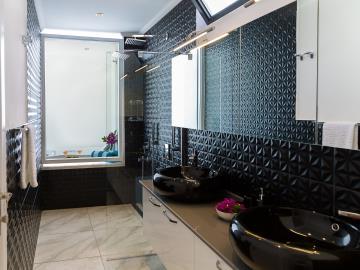 black-bathroom