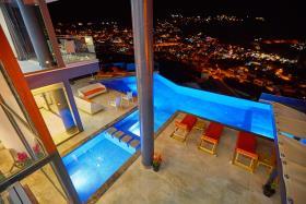 Image No.2-Villa / Détaché de 5 chambres à vendre à Kalkan