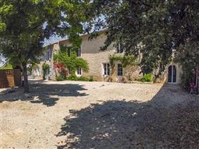 Image No.1-Maison de 9 chambres à vendre à Saint-Ciers-sur-Bonnieure