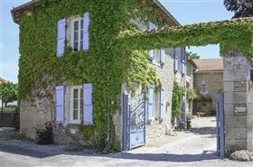 Image No.2-Maison de 9 chambres à vendre à Saint-Ciers-sur-Bonnieure
