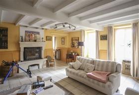 Image No.4-Maison de 9 chambres à vendre à Saint-Ciers-sur-Bonnieure