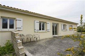 Image No.11-Maison de 4 chambres à vendre à Blanzac-Porcheresse