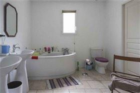 Image No.6-Maison de 4 chambres à vendre à Blanzac-Porcheresse