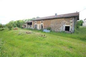 Cherves-Châtelars, Property