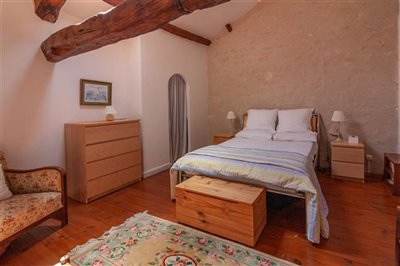 spacious-house-with-barns-for-sale-near-mansl
