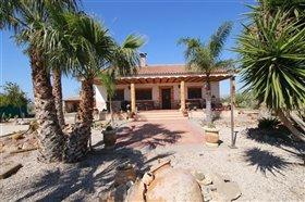 Image No.0-Maison de campagne de 5 chambres à vendre à Lorca