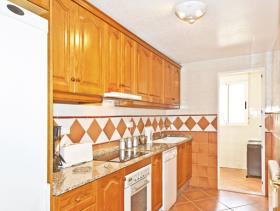 Image No.18-6 Bed Villa / Detached for sale