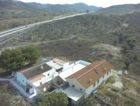 Image No.2-Maison de campagne de 8 chambres à vendre à Purias