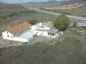 Image No.3-Maison de campagne de 8 chambres à vendre à Purias