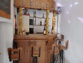 Image No.8-Maison de campagne de 8 chambres à vendre à Purias