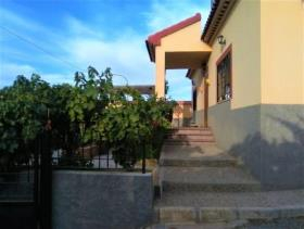 Image No.1-4 Bed Chalet for sale