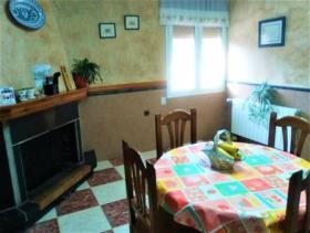 Image No.6-4 Bed Chalet for sale