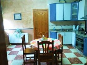 Image No.4-4 Bed Chalet for sale