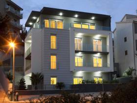 Image No.0-Un hôtel de 14 chambres à vendre à Split