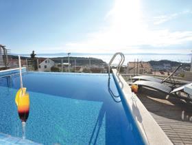 Image No.1-Maison / Villa de 5 chambres à vendre à Makarska