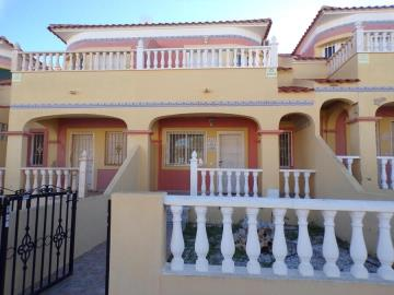 town-house-for-sale-in-villamartin-1