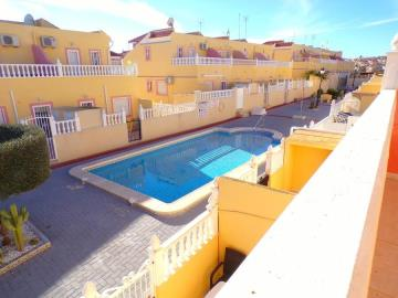 town-house-for-sale-in-villamartin-15
