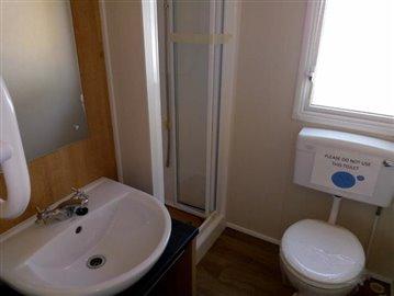 WillerbyMitsral-bathroom