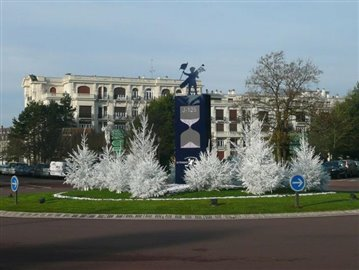 Water_feature_in_local_town