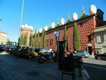 Local_building
