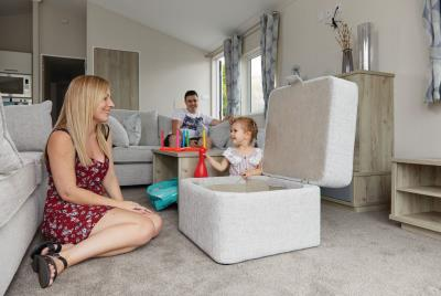 Willerby-Clearwater-Lodge-2020-Lounge-Storage-Pouffe