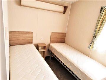 20-Twin-Room