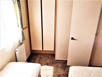 21-Twin-Room