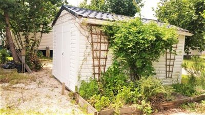 04-Plot-511-France-Bergerac-Caravans-in-the-Sun-Lesiure-holiday-park-home--2-