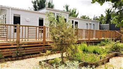 02-Outside-Plot-511-France-Bergerac-Caravans-in-the-Sun-Lesiure-holiday-park-home--1-