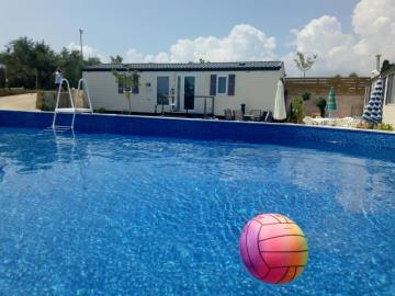 TSILIVI-Zante-Greece-Caravans-in-the-sun-park-and-leaisure-homes-photo--5-