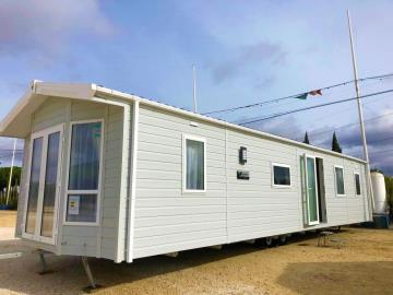 Front-aspect-Willerby-Winchester-saydo-park-marbella-2020--17-