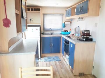 6-kitchen-14-Palm-Court-Saydo-Park-Costa-del-Sol-Spain-Caravans-in-the-Sun--3-