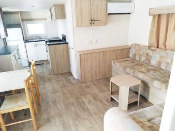 08-Lounge-Diner--Atlas-Tempo-Torre-del-Mar-Caravans-in-the-Sun-Owned--7-