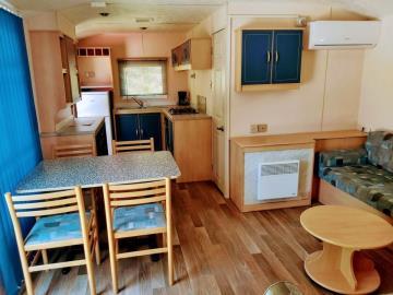 06-Lounge-Diner-Plot-M68-Toscana--Caravans-in-the-Sun--8-