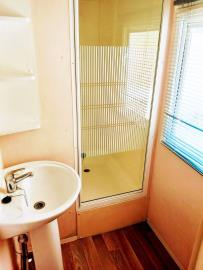 12--Shower-Plot-M68-Toscana--Caravans-in-the-Sun--3-