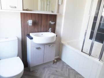 willerby-sheraton-saydo-park-ensuite-bathroom