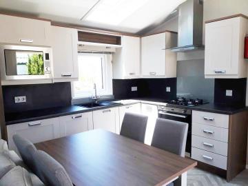 willerby-sheraton-saydo-park-kitchen-dining