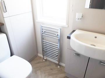 willerby-sheraton-saydo-park-shower-room--1-