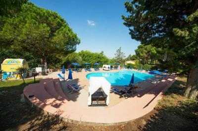 Toscana-Holday-Park-Tuscany-Italy-Luxury-homes-lodges---8-