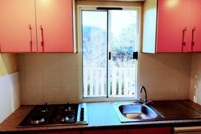 03-Kitchen-Plot-14-Toscana-Holiday-Village-5