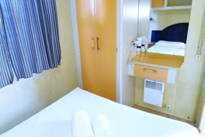 05-Master-bed-Plot-14-Toscana-Holiday-Village-4