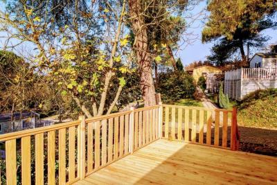 Plot-23-Toscana-Holiday-Village-Decking---1-