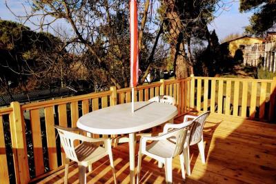 Plot-23-Toscana-Holiday-Village-Decking---6-