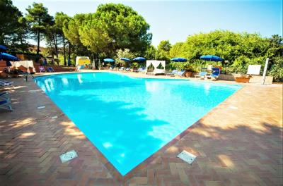 Toscana-Holday-Park-Tuscany-Italy-Luxury-homes-lodges---7-