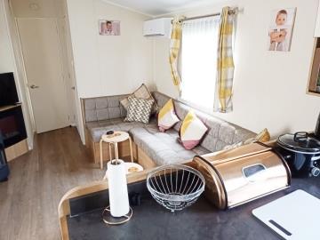 08-Lounge-Kitchen-Willerby-Martin-Plot-16-Torre-del-Mar--22-