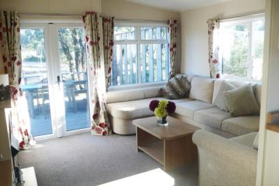 12-lounge-Front-Plot-26-Willerby-Lyndhurst-Caravans-in-the-sun-www-caravansinthesun-26