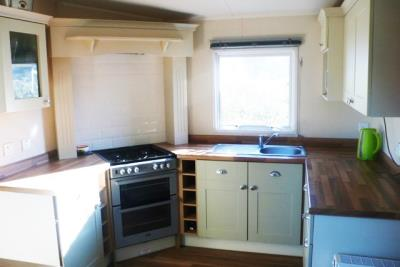 17-kitchen-Front-Plot-26-Willerby-Lyndhurst-Caravans-in-the-sun-www-caravansinthesun-19