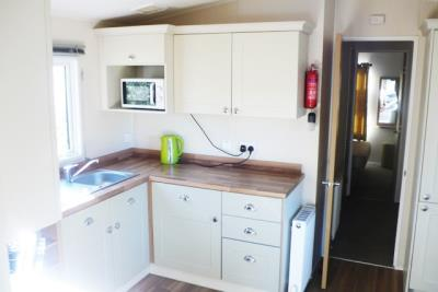 18-kitchen-Front-Plot-26-Willerby-Lyndhurst-Caravans-in-the-sun-www-caravansinthesun-22