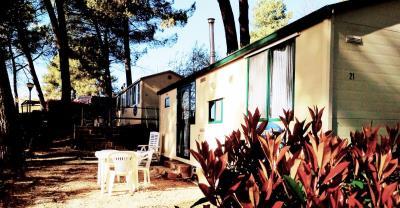 01-Exterior-Plot-21-Toscana-Holiday-Village-Tuscany-Italy-Caravans-in-the-Sun--1-