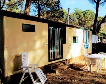 02-Exterior-Plot-21-Toscana-Holiday-Village-Tuscany-Italy-Caravans-in-the-Sun--2-